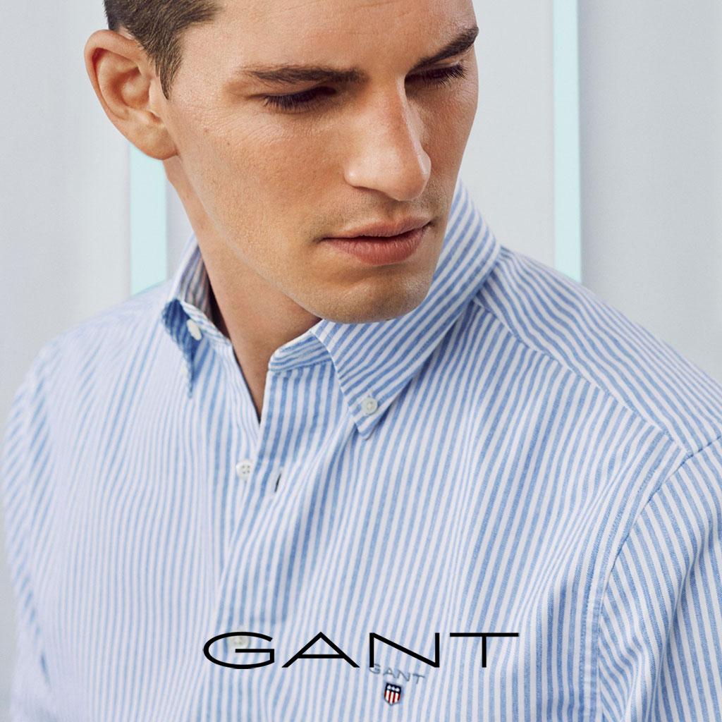 Mann mit Hemd von Gant